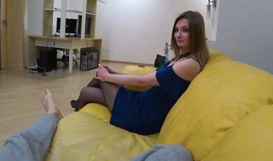 Сексуальная и молодая девушка после минета записывает с парнем русскую...