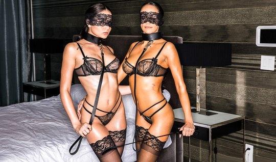 Красивые рабыни в чулках подарили мужчине шикарный секс втроем...