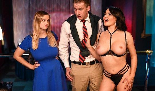 Жена привела мужа в стриптиз клуб для страстного секса и измены...