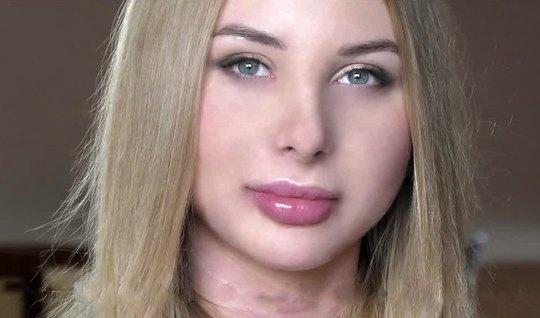 Русская девушка во время кастинга получает от мужчин двойное проникнов...